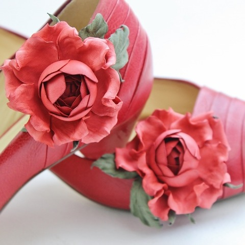 making leather flower shoe clips
